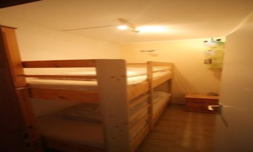 2. Kinderzimmer mit Etagenbett