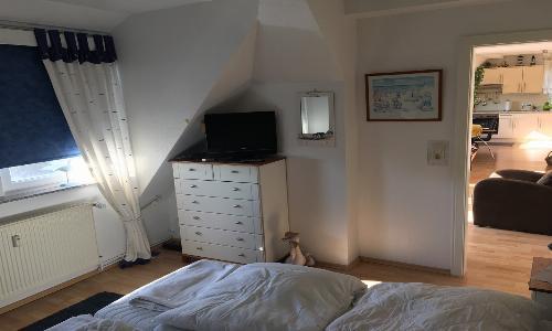 ... separaten Schlafzimmer