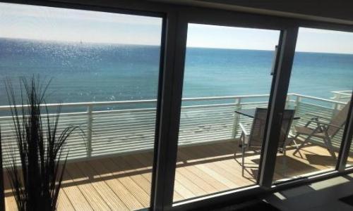 ... vom sonnigen Balkon